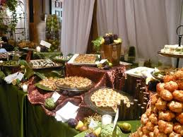 Table Buffet Decorations by Best 25 Buffet Displays Ideas On Pinterest Food Table Displays