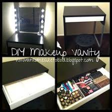 Diy Makeup Vanity Chair Diy Furry Stools The Kitchy Kitchen Loving These Chic Furry