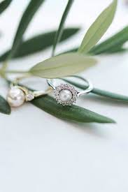 Pearl Wedding Rings by Pearl Engagement Rings For A Beautiful Romantic Look Oh So