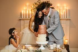 wedding cake song 55 wedding cake cutting songs brides