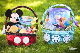 frozen halloween basket disney diy mickey and frozen easter baskets disneyrewards com blog