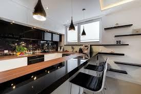 cuisine blanc noir cuisine blanche et 35 photos id es d co surprenantes noir