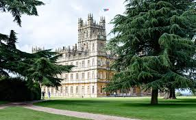 visiting highclere castle with downton abbey fans
