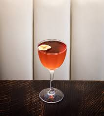 how to make a manhattan drink how to make 3 killer negronis from a master of the classic italian