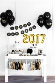 New Years Decorations 2016 by Golden New Year U0027s Party Decoration Ideas