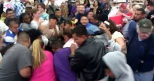 cell phone black friday i s u p k radio news walmart shoppers fight over cell phones on
