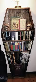 coffin bookshelf troche kiczowate troche pretensjonalne ale nadal mięsie podoba
