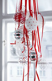 Christmas Decorations On Window by 35 Diy Christmas Decoration Ideas For Creative Juice