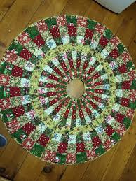 Quilted Christmas Tree Skirts To Make - 125 best christmas tree skirts images on pinterest decorations