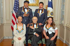 lionel richie home kennedy center honors recognize ll cool j gloria estefan u0026 lionel