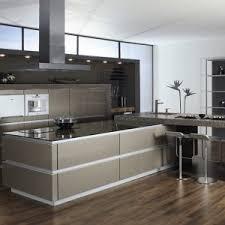 ilot central cuisine design cuisine design avec ilot central amazing modern brown kitchen