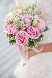 wedding flowers pink 10 popular wedding flowers mywedding