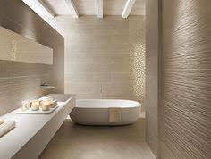 wandfliesen badezimmer badezimmer kombination mit mosaikfliesen und weißen wandfliesen