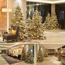 Contemporary Commercial Christmas Decorations by Best 25 Commercial Christmas Decorations Ideas On Pinterest
