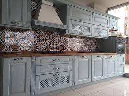 peinture d armoire de cuisine épinglé par arzu tırıs sur home idée cuisine