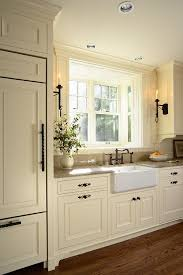 Antique Cream Kitchen Cabinets 25 Best Off White Kitchens Ideas On Pinterest Kitchen Cabinets