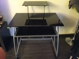 bureau noir verre recyclage objet récupe objet donne bureau en verre noir à