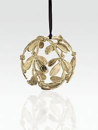 mistletoe necklace candles mistletoe