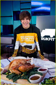 thanksgiving dinner austin austin mahone dinner with trukfit truknyc contest winner photo