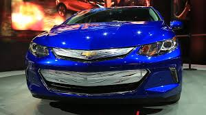2016 chevy volt arrives with 50 mile ev range 41 mpg w video