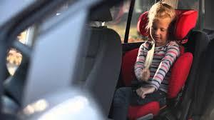 voiture 3 sièges bébé siège auto groupes 2 et 3 rodifix de bebe confort