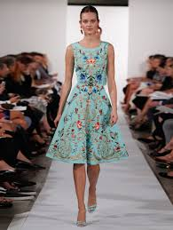oscar de la renta sleeveless floral embroidered dress in green lyst