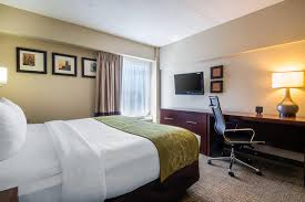 Comfort Suites At Woodbridge New Jersey Comfort Suites At Woodbridge 1275 Route 1 U0026 9 South Avenel Nj