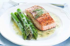 cuisine hollandaise salmon and asparagus in hollandaise sauce recipe outdoor channel