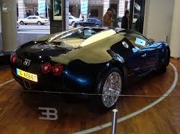 blue bugatti file blue bugatti veyron right side jpg wikimedia commons