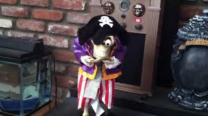 skeletons halloween decorations rare gemmy head losing skeleton pirate halloween decoration youtube