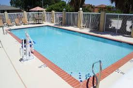 Comfort Inn French Quarter New Orleans Comfort Suites New Orleans Updated 2017 Prices U0026 Hotel Reviews