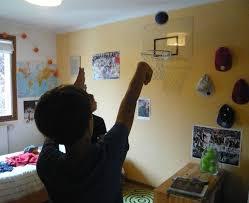 petit panier de basket pour chambre une chambre très basket aux petites canailles