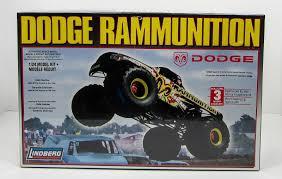 1 24 scale monster jam trucks lindberg dodge rammunition monster truck 73015 1 24 new truck