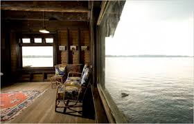 clingstone mansion or boatshed scarch