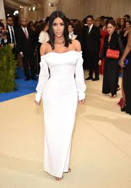 kim kardashian attends 2017 met gala without kanye west