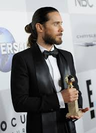 where can a guy get a good top knot style haircut jared leto is right good riddance to the man bun and the top knot