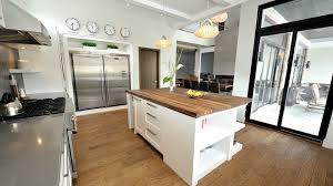cuisine chaleureuse contemporaine cuisine contemporaine blanche cuisine contemporaine blanche 2017 et