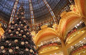 how do people celebrate christmas in france