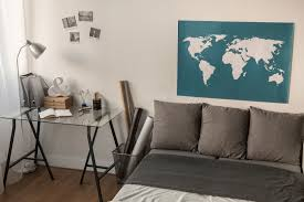 5 awesome apartment decor ideas for travelers apartmentguide com