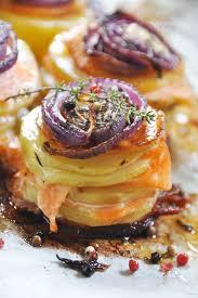 la cuisine de nathalie mille feuilles de pommes de terre au saumon fumé et oignons