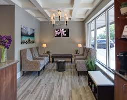 Therapist Office Decorating Ideas Best 25 Chiropractic Office Design Ideas On Pinterest