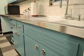 Antique Metal Kitchen Cabinets Can Annie Sloan Chalk Paint Transform These Kitchen Cabinets