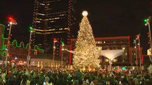 sundance square tree lighting 2017 wfaa on twitter the christmas tree at sundance square in downtown