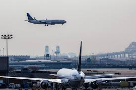Baggage Fee United New Fares And Fees Seen Lifting Airline Revenues Wsj