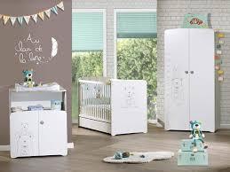 chambre bébé blanc et taupe armoire 2 portes chambre bébé blanche sérigraphié taupe tedd