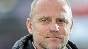 Martin Bader Thomas Schaaf Neuer Trainer In Hannover Dfb Deutscher Fußball