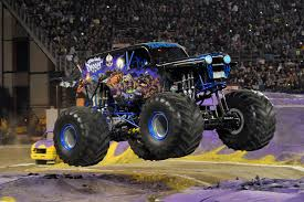 the first grave digger monster truck monster jam manila is the kind of family mayhem we all need in our