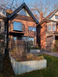 Home Modern Early 1900s Toronto Home With A Glassy Modern Renovation