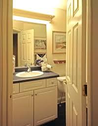 Fluorescent Bathroom Lights Fluorescent Bathroom Lighting Fixtures Ceilg S Fluorescent Light