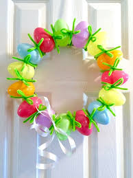 how to make an easter egg wreath the easiest easter egg wreath 10 minute craft